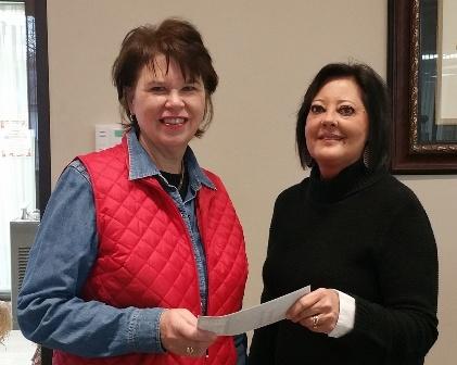 Peoples Bank & Trust - Altamont Volunteer Sue Braaschl