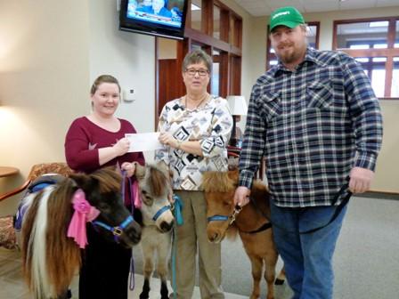 Peoples Bank & Trust - Taylorville Volunteer Heartland Mini Hoofs