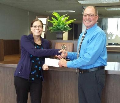 Peoples Bank & Trust - Waverly Volunteer Jodi Vollmer